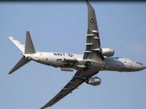 P-8 eftirlitsvél bandaríska flotans á flugi.