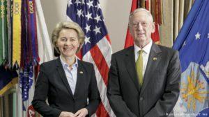 Ursula von der Leyen og Jim Mattis.