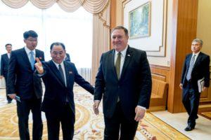 Mike Pompeo kemur til viðræðnanna í Pyongyang.