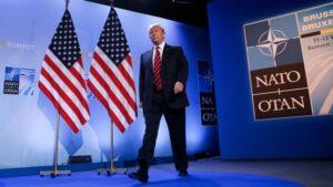 Donald Trump í höfuðstöðvum NATO.