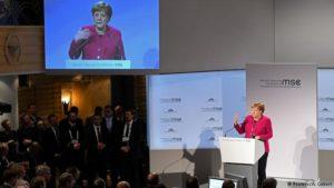 Angela Merkel flytur ræðu sína í München.