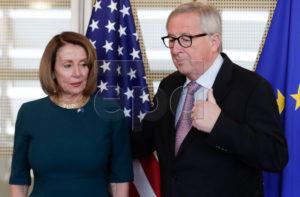 Nancy Pelosi og Jean-Claude Juncker.
