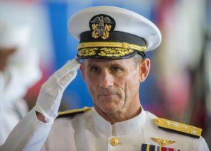Andrew Lewis, yfirmaður 2. flota Bandaríkjanna.